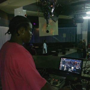 DJ NEXIS à l'instant discothèque
