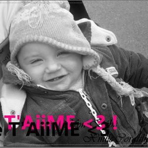 UN AMOURE DE JEUUNNE FiLLE   JE T'AiMEE !!