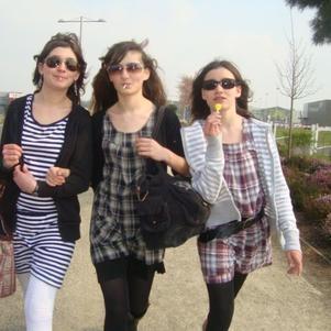 Moii, ma Tiite Seur & Ma Sister