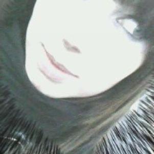 moi  -_- j'adore mes yeux desus