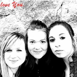 Malorie, Noémie et moi.