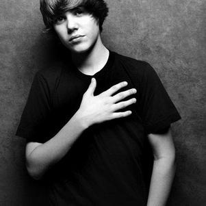 Justin (L)