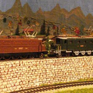 Double-traction Ae 4/7 10902 et 10905