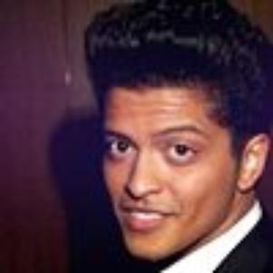 Bruno Mars >>><3<<<