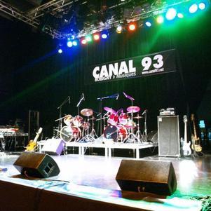 Canal 93 - La scène