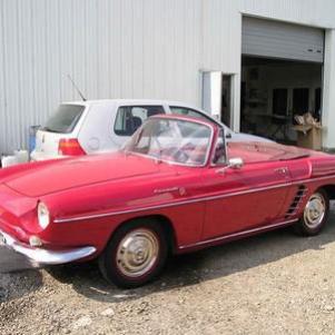 notre renault floride, l'une de nos 4 voitures anciennes