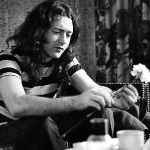 GENEROSITE IRLANDAISE - Rory Gallagher - (Strato 61)