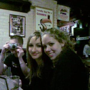 Juju et mOi dans un pub