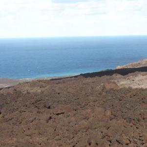 Mon ile : volcan et mer