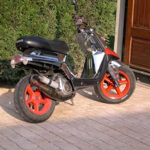 enssien scoot 95 km_h  VIEU  BW ' S