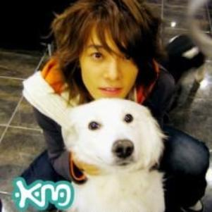 Donghae et son chien Bada