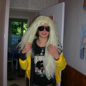 Blonde !!