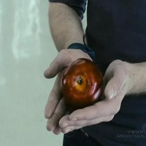 -Edward et la pomme mythique de Twilight ou Fascination-