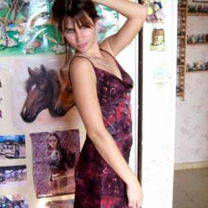Moi et la robe que j'ai bidouillée