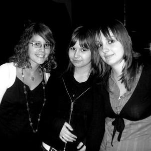 Nous 3 : Sandy , Léa et Céline