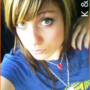 LOVE KEViiN (L) .
