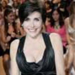 Voici Liane Foly mon idole ke j'aime énormément!!!!!!!!