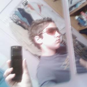 moi dans ma salle de bain 1