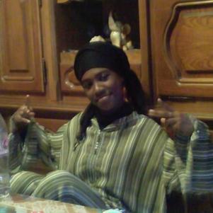 La soeur black...en mo2  mefie toi des aparences ...mdw!!!