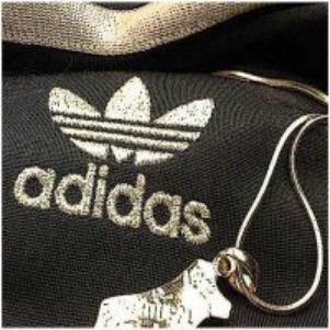 Adidas (a)