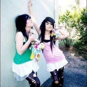 moi et mon amie les gérante du blog :)