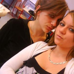 Miss Chik &&' Moii