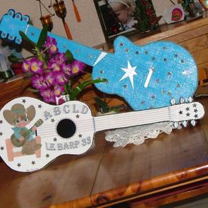Guitares en cartons
