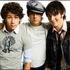 Jonas-Brothers003