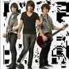 Jonas-Brothers-Dijon-x3