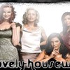lovely-housewive