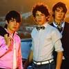 rock-love-jonas-brothers
