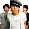 Jonas-Brothers-Oo