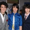 00-The-JOnas-BrOthers-00