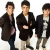 The-Jonas-Brothers-x33