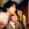 Jonas-Brothers-68