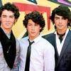 x-Fiic-Jonas-Brothers
