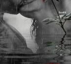 tendre baiser sous la pluie!
