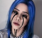 pas moi mais une fille cosplay Billie Eilish woow !!!