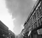Fumé de l'impact d'une bombe volante V1 sur Londres