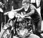 photo Moto-Revue :  Agostini sur une trois pattes anglaise