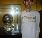 Moi avec le Ballon d'or de Lionel Messi