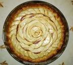 Fond de blé, tarte aux pommes au patte feuilletée. Coeur aux pétales de rose.