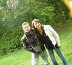 Ma cousine et moi j'aime beaucoup cette photo de nous hi hi.