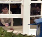 Par conséquent, Emma et Regina retrouvent Mary Margaret à la