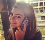 Au téléphone