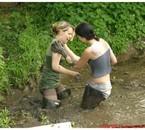 les bains de boue entre copines, ça a du bon !