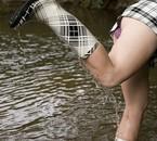 La jupe et les bottes sont raccord, pas la petite culotte !