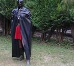 Une cape = Zorro et avec une jupe ?