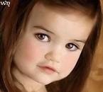 La petite bouille d'ange de Renesmée Carlie Cullen