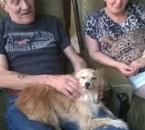 Ma copine et mon copain avec mon chien Malika